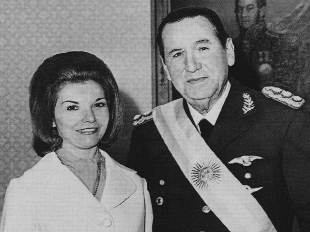 isabel per n pemimpin wanita negara pertama
