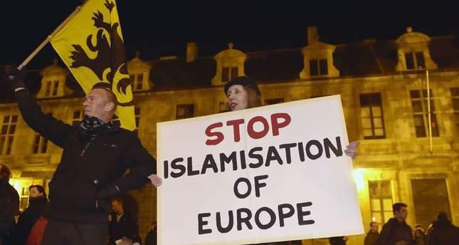 islamophobia tunjuk perasaan