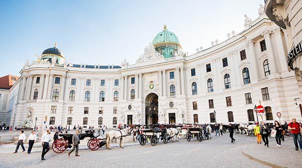 istana hofburg istana paling besar di dunia