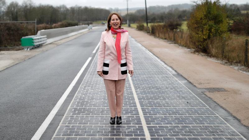 jalan berpanel solar di perancis