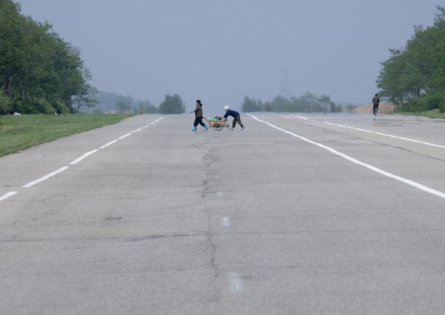 jalan raya yang lapang