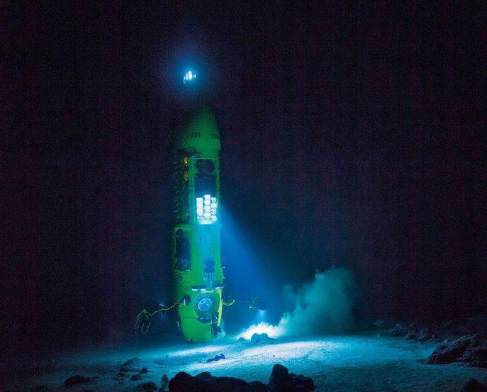 james cameron turun ke dasar laut 592