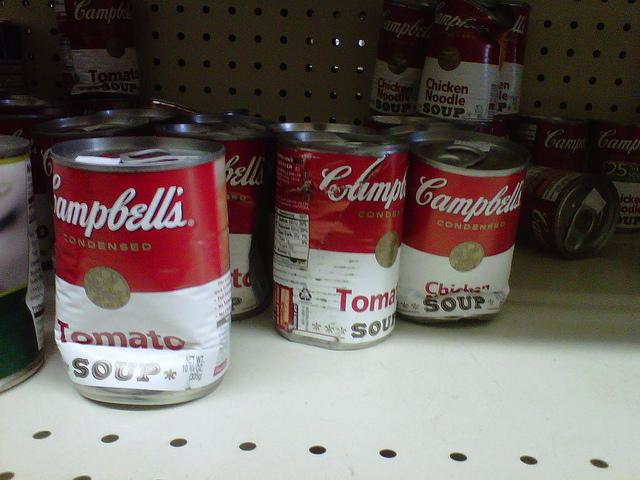 jangan beli makanan dalam tin yang sudah kemek