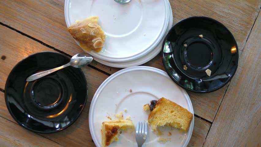 jangan habiskan makanan dalam pinggan di china