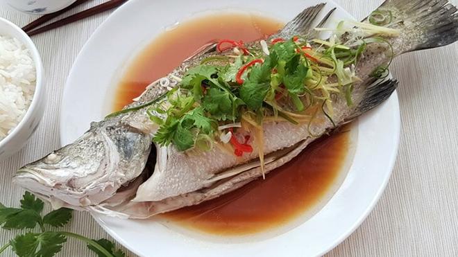 jangan terbalikkan ikan ketika makan di china