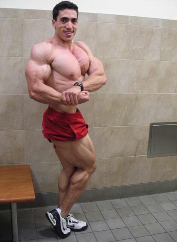 jeff rodriguez mempamerkan tubuhnya yang mengagumkan 57