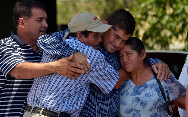 jose alvarenga bersama keluarganya