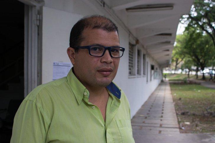 jose ibarra profesor venezuela tidak mampu bayar upah membaiki kasut 4