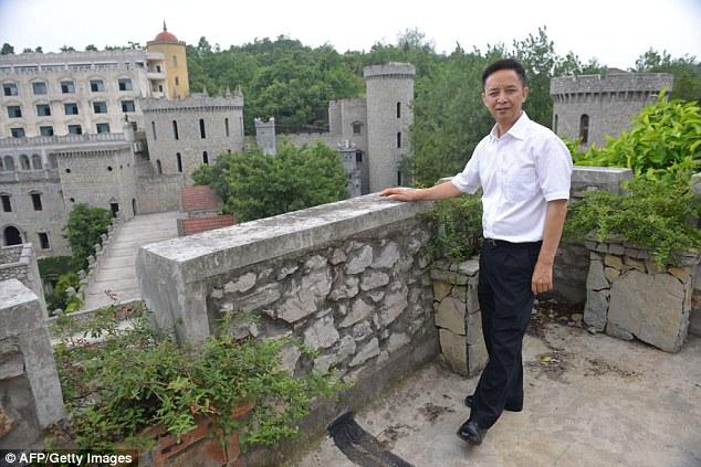 jutawan kek liu chonghua membina istana