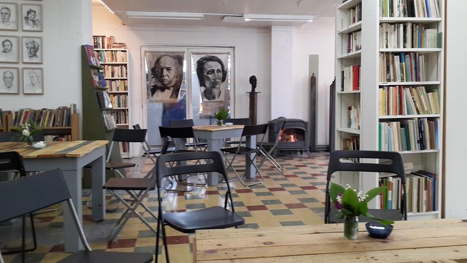 kafe buku di redu belgium kampung buku