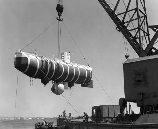 kapal selam 235