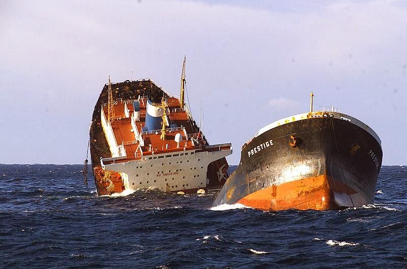 kapal tangki prestige patah dha