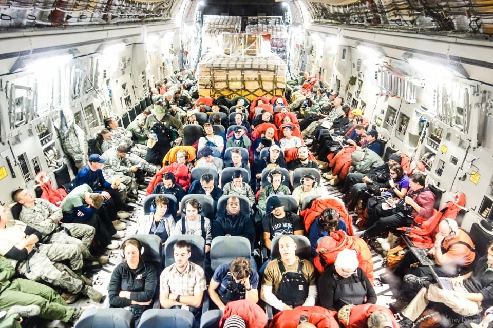 kapal terbang menuju antartika