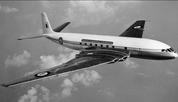 kapal terbang tingkap petak