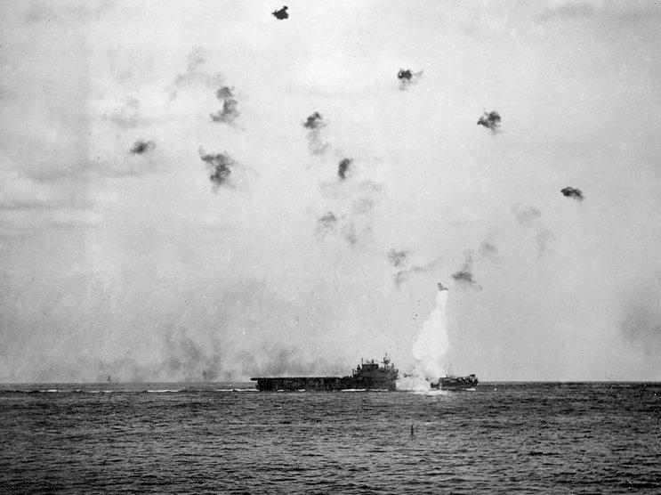 kapal uss enterprise amerika syarikat diserang dalam serangan kamikaze