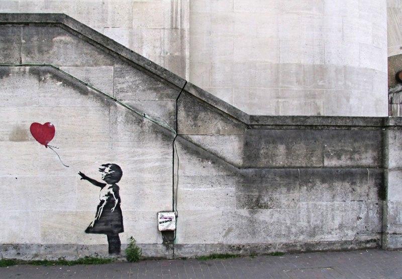 karya banksy sering mempunyai mesej yang deep