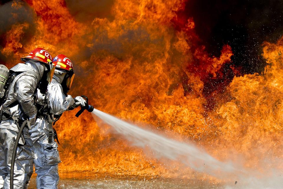 kebakaran 2 rumah di bau lelaki ditemui rentung dalam tandas