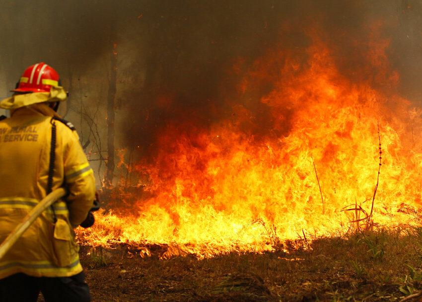 kebakaran memusnahkan di australia