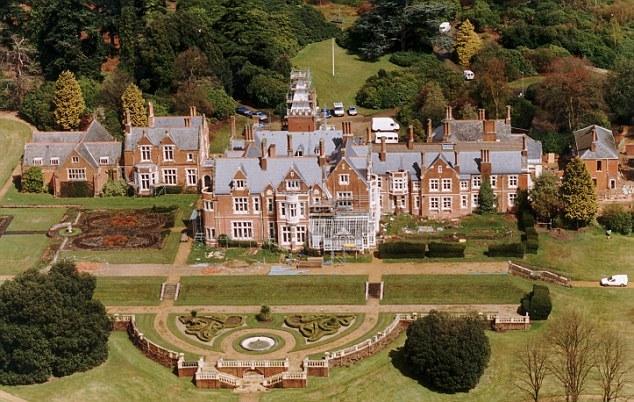 kediaman rasmi keluarga diraja britain british bagshot park