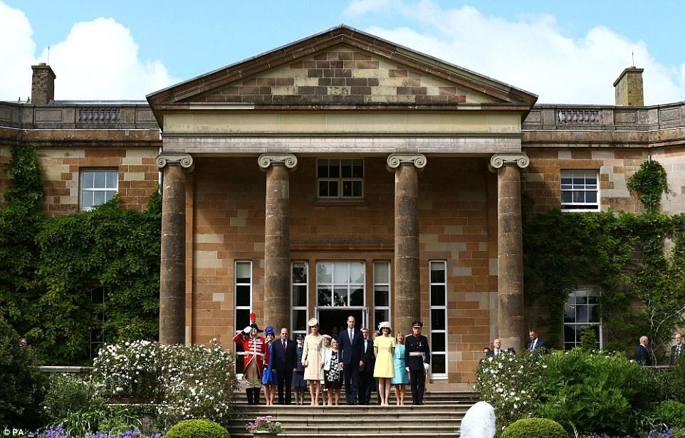 kediaman rasmi keluarga diraja britain british hillsborough istana