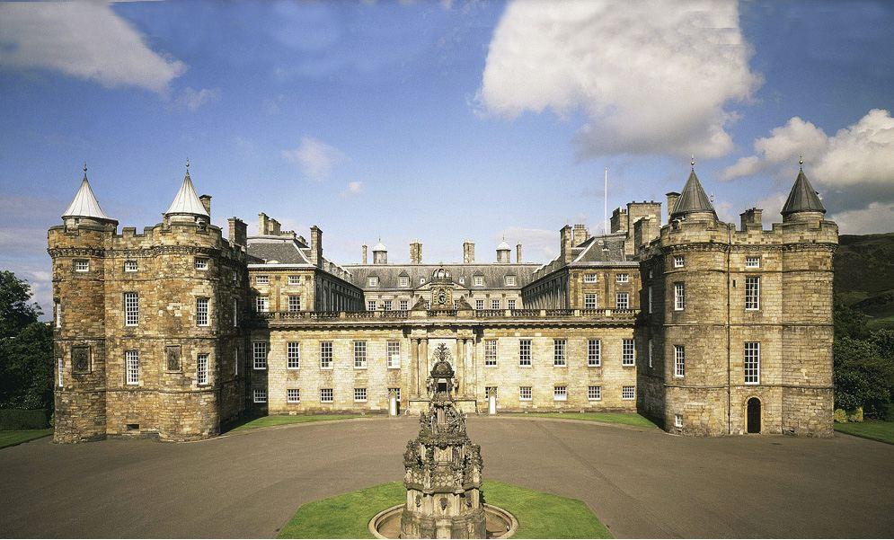 kediaman rasmi keluarga diraja britain british holyrood