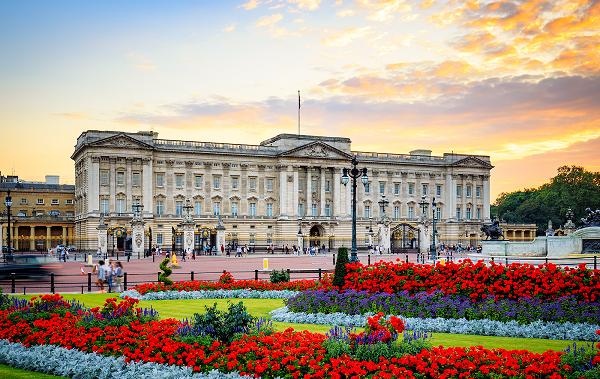 keindahan istana buckingham di westminster london