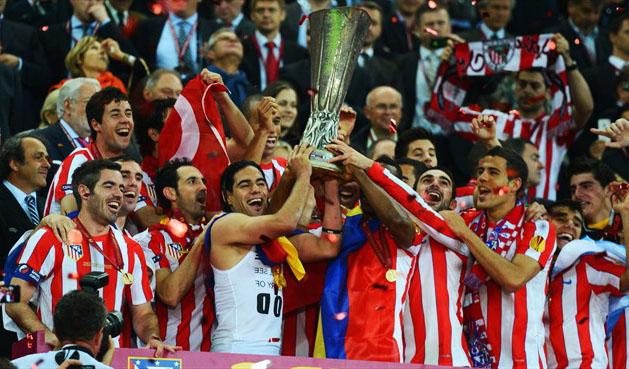 kelab bola sepak paling banyak memenangi trofi