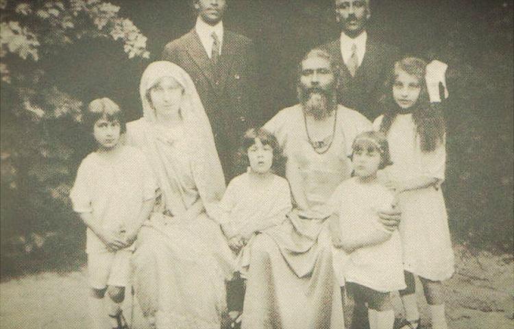 keluarga noor inayat khan