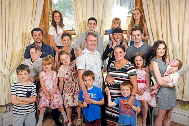 keluarga radford paling besar di united kingdom dengan 20 orang anak 2
