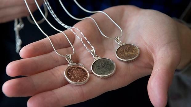 kenapa kebanyakan syiling kuno mempunyai lubang 8