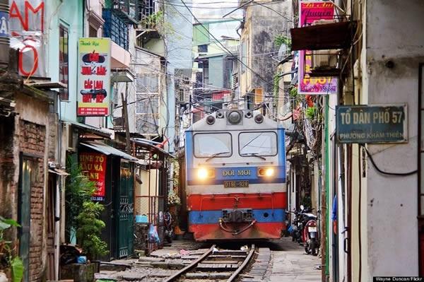kereta api bandar hanoi