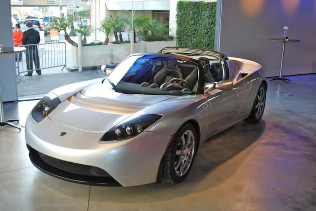 kereta bateri elektrik tesla