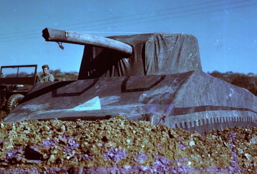 kereta kebal belon yang menjadi sebahagian daripada tentera hantu allied 2
