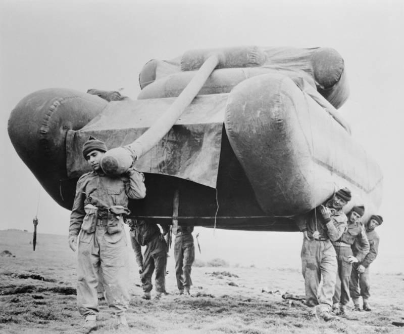 kereta kebal belon yang menjadi sebahagian daripada tentera hantu allied 93