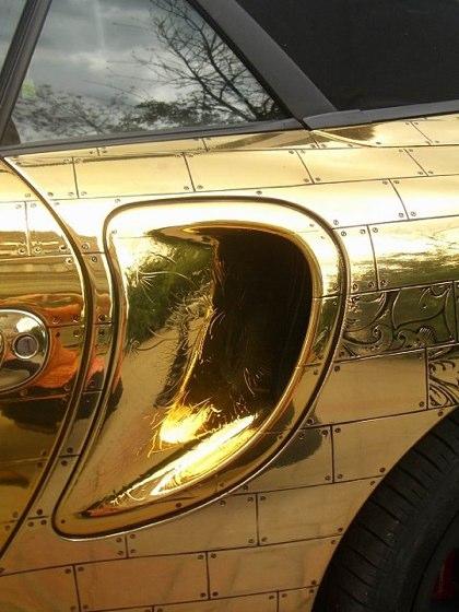kereta sport porsche emas 7 item pelik yang dihasilkan dan disalut emas 3