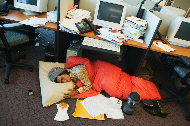 kerja lebih masa boleh menyebabkan tekanan mental 563