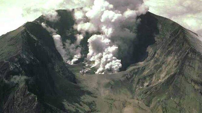 kerjaya ahli vulkanologi gunung berapi meletus tambora indonesia