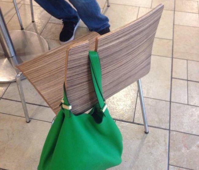 kerusi penyangkut beg