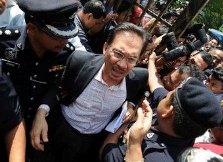 kisah anwar ibrahim bapa reformasi malaysia 05