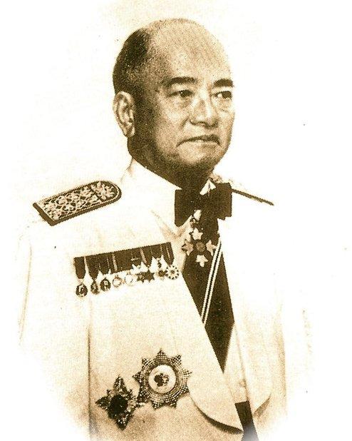 kolonel tun sir henry lee hau shik individu berbangsa cina yang menjadi menteri kewangan