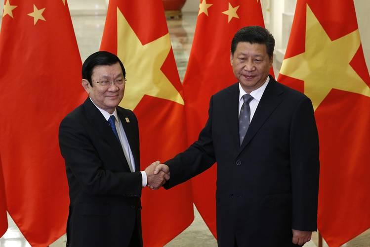 komunis vietnam pemimpin