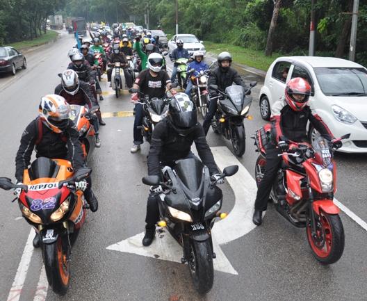 konvoi superbike motor besar