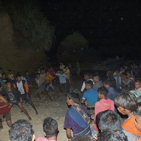korban darah kaum sumba pasola lawan lembing atas kuda kepercayaan indonesia tinju pajura 2
