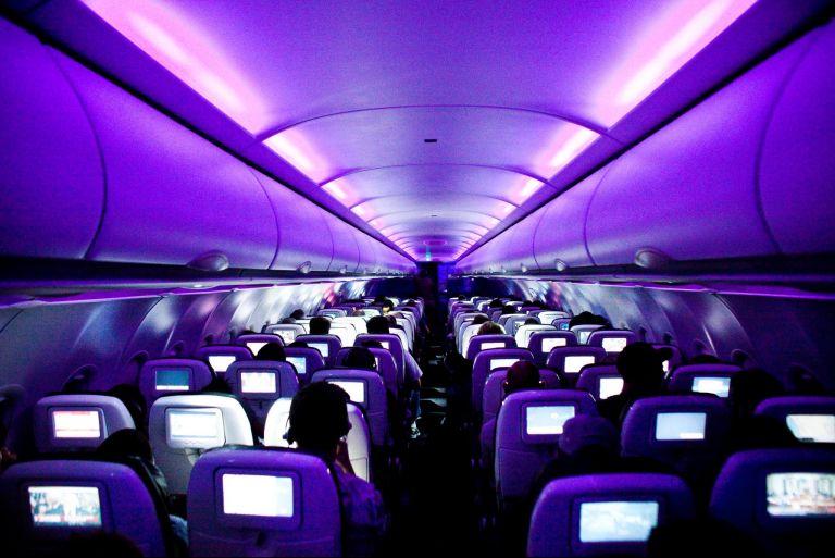 lampu dalaman pesawat dimalapkan ketika mendarat 10 rahsia menarik mengenai kapal terbang yang ramai tak tahu
