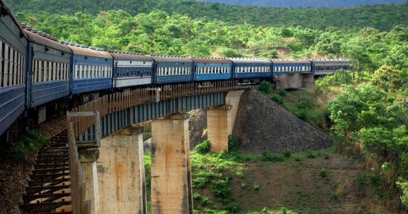 landasan kereta api tazara