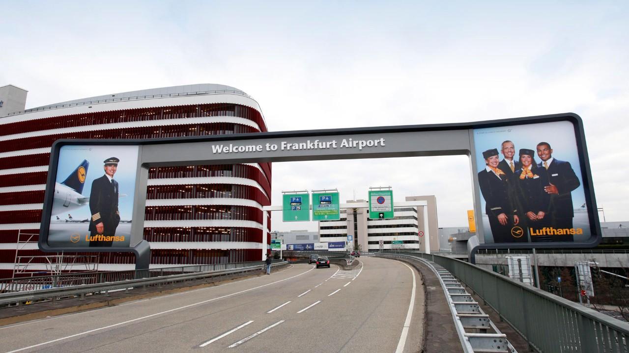 lapangan terbang frankfurt jerman