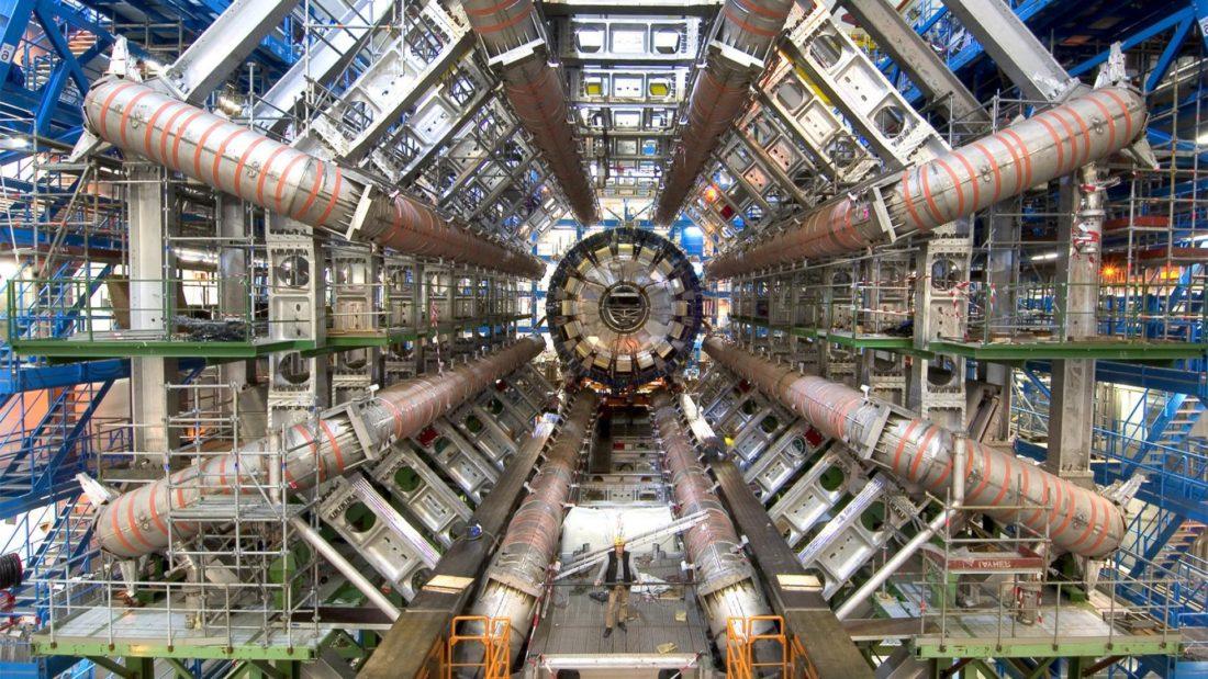 large hadron collider mesin ciptaan manusia paling besar di dunia