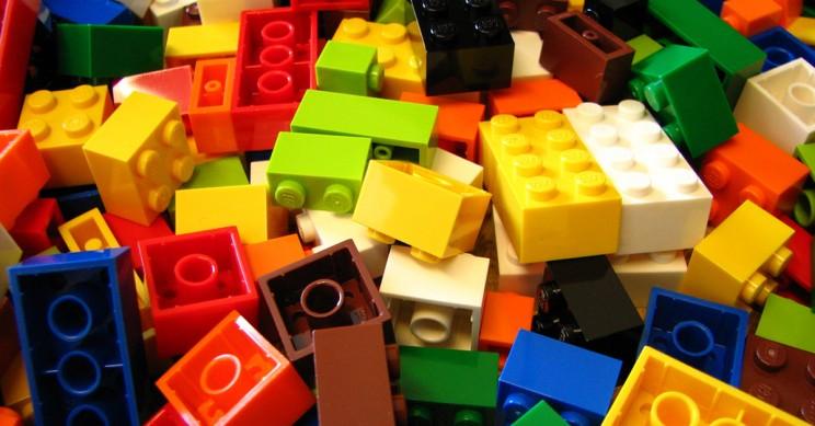 lego bermacam warna