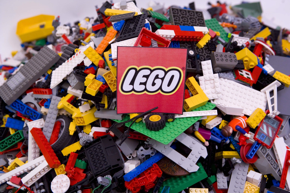 lego syarikat permainan bernilai