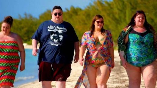 lelaki dan perempuan gemuk di resort bahamas
